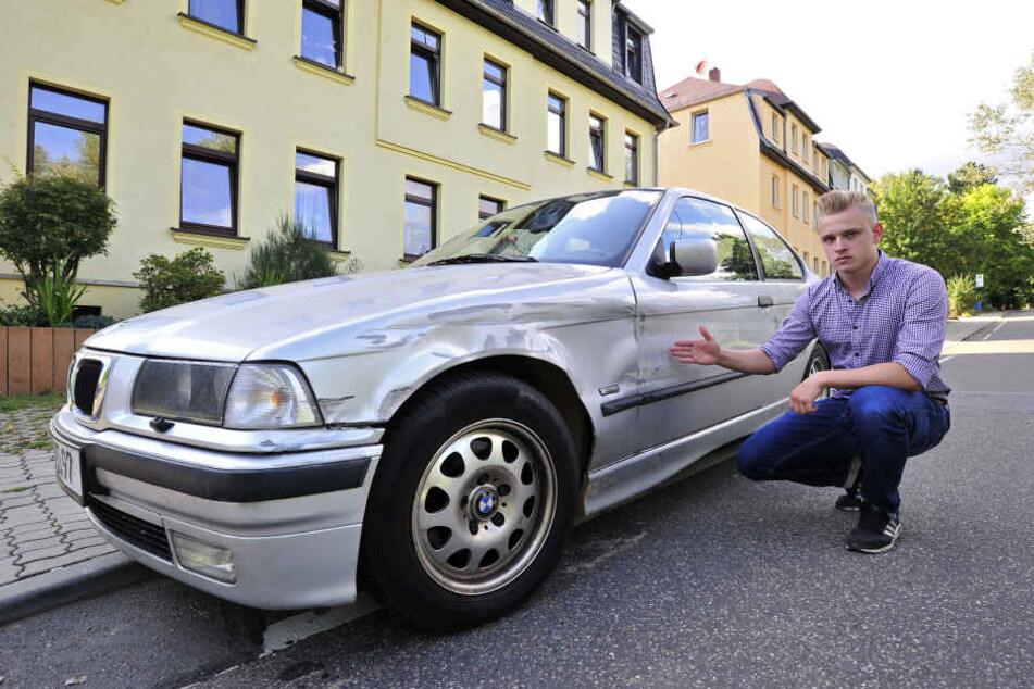 Moritz Delwig (18) ist sauer: Ein Rowdy hat seinen geliebten BMW kaputt  gefahren, ist einfach abgehauen.