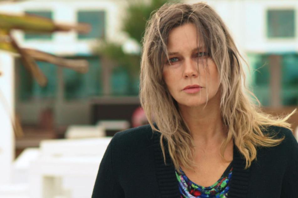 """Am Donnerstag ist Veronica Ferres (53) im ZDF-Film """"Tod auf Raten"""" als Friseurin Annett zu sehen, der die Zwangsversteigerung ihres Hauses droht."""