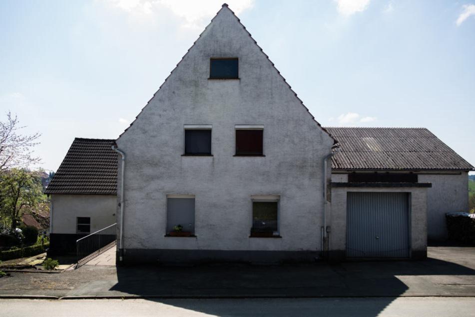 Von außen wirkt das Haus auf den ersten Blick recht unscheinbar.