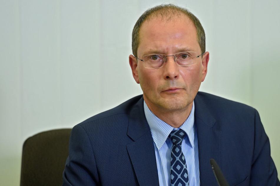 Markus Ulbig spricht von einem Bekennerschreiben, dessen Echtheit geprüft werde.