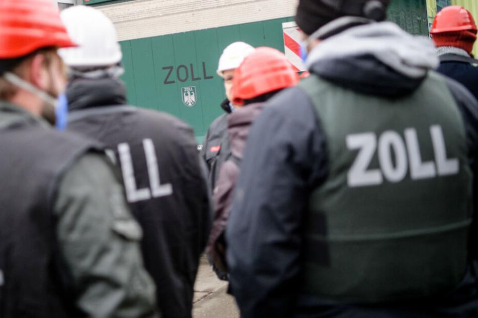 Ausgerechnet auf Baustelle des Strafgerichts: Zoll verhaftet illegale Arbeiter