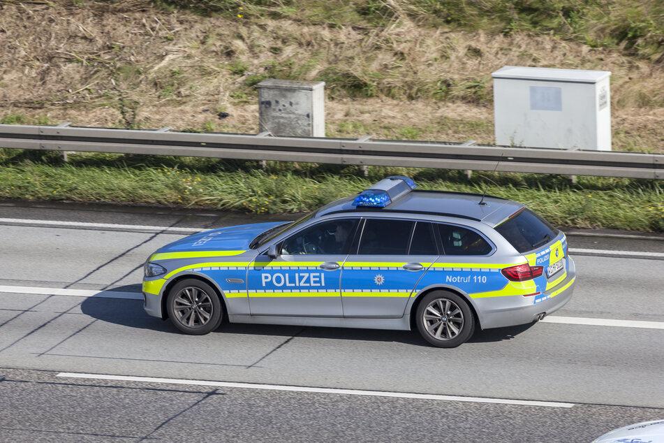 Auf der A9 verursachte ein unbekannter Autofahrer einen Unfall mit drei Verletzten. (Symbolbild)