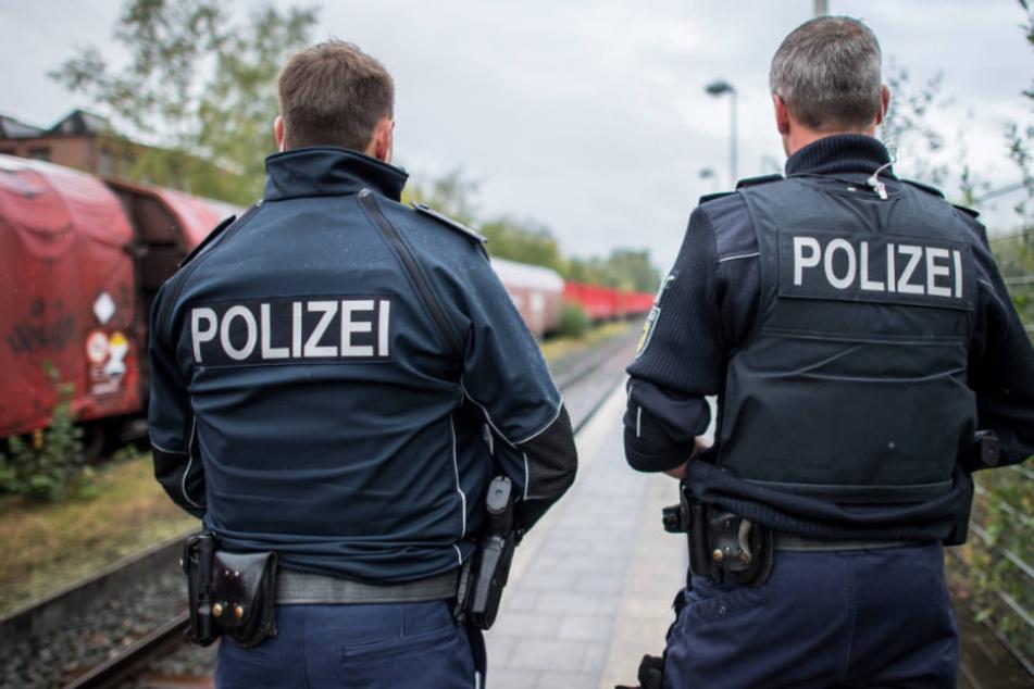 Am Bahnhof Flörsheim wurde die 19-Jährige von Beamten in Empfang genommen (Symbolfoto).