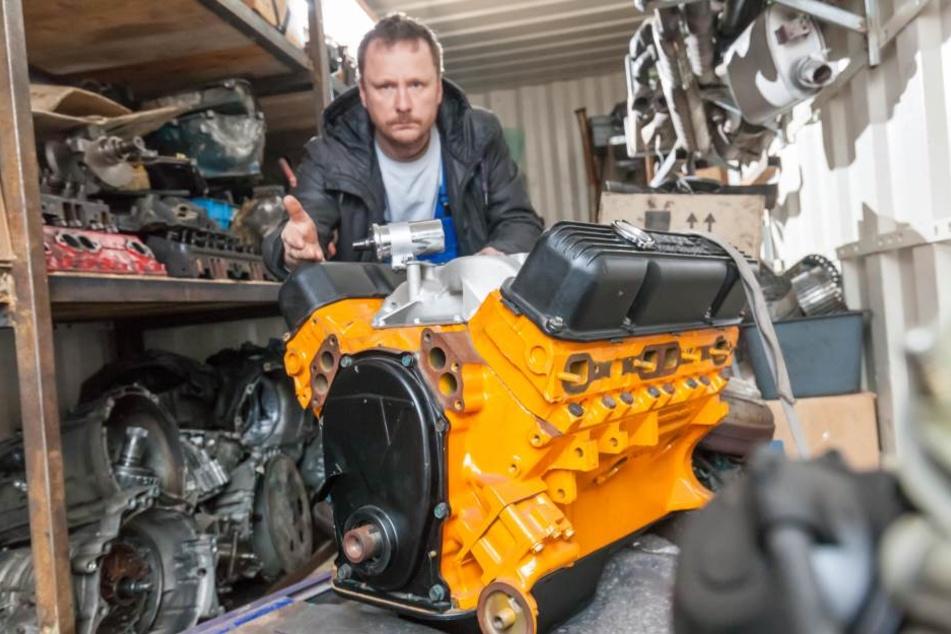 Jetzt hat er einen Motor ohne Auto: Henrik Roscher (50) sucht seinen  gestohlenen US-Oldtimer.