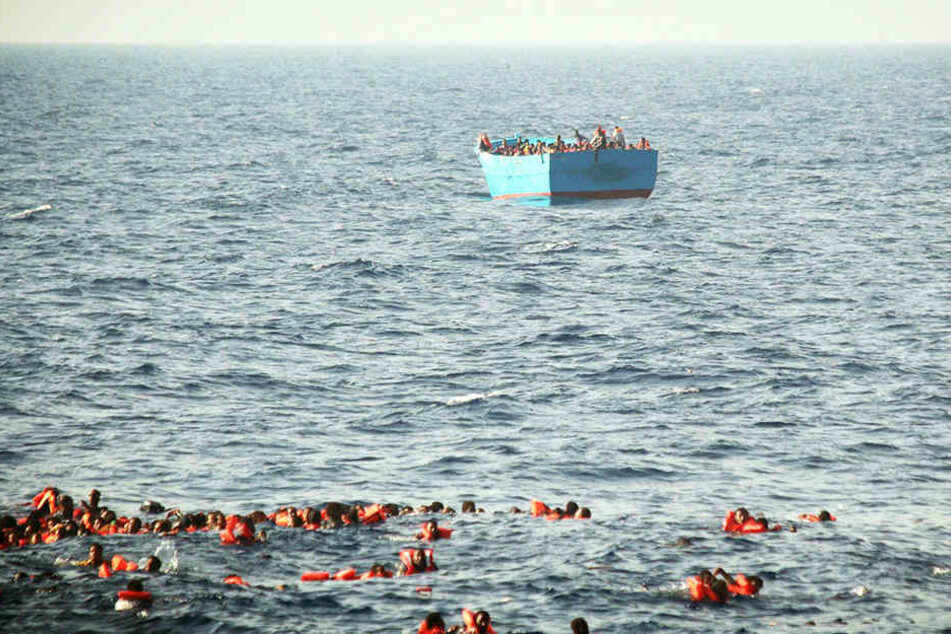 Das Bot kenterte vor der libyschen Küste. Vor allem Kinder sind unter den Opfern.