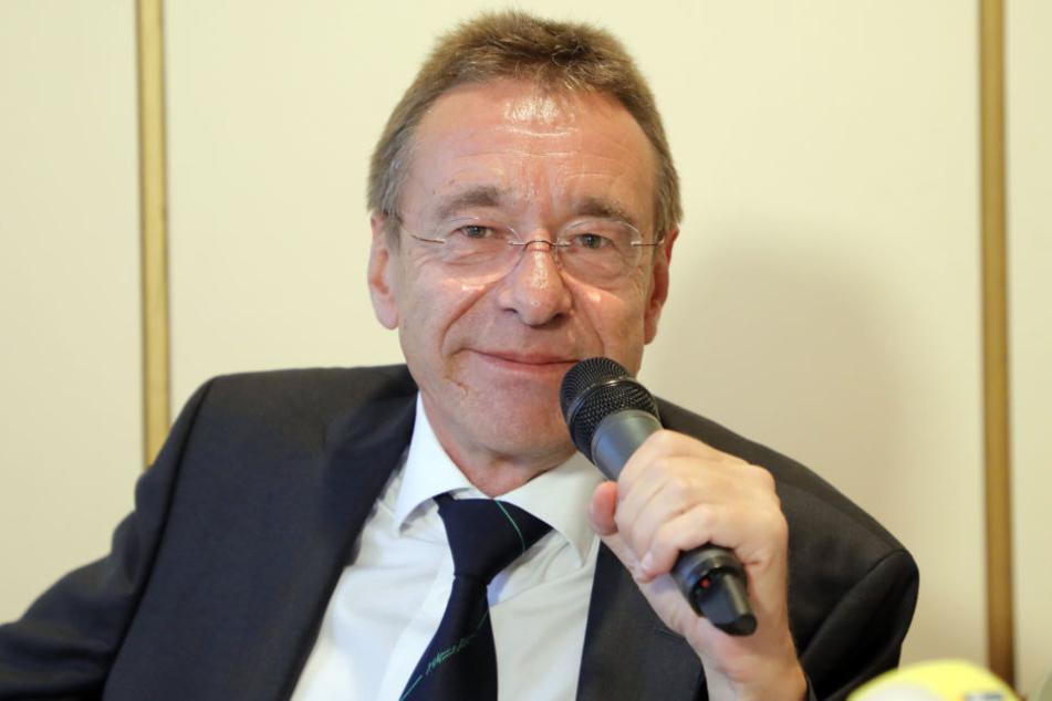 Rechtsanwalt Ulrich Dost-Roxin eine Einstellung des Verfahrens gegen seinen Mandanten.
