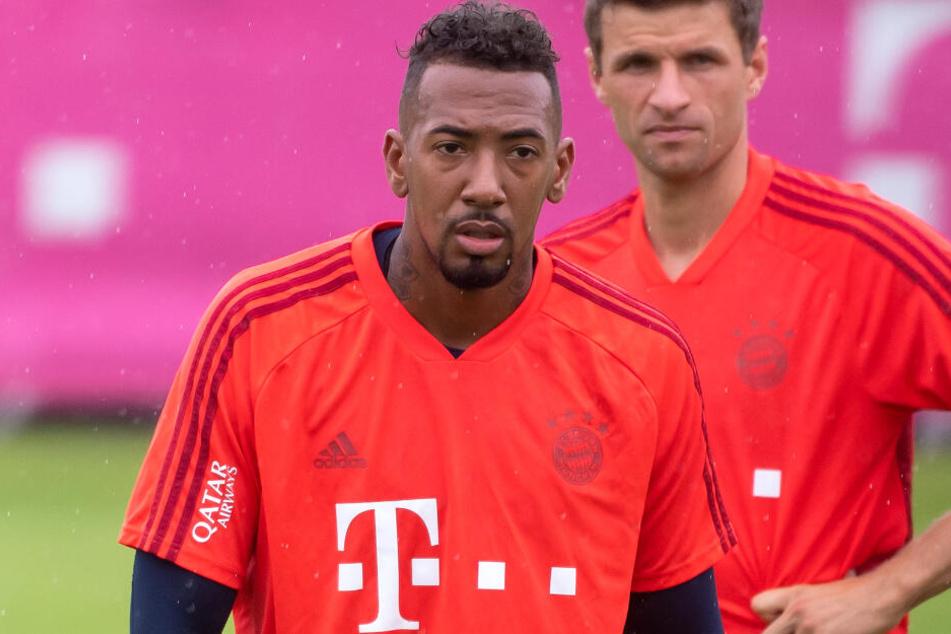 Die Zukunft von Jérôme Boateng (30, l.) beim FC Bayern München ist offiziell noch nicht geklärt.