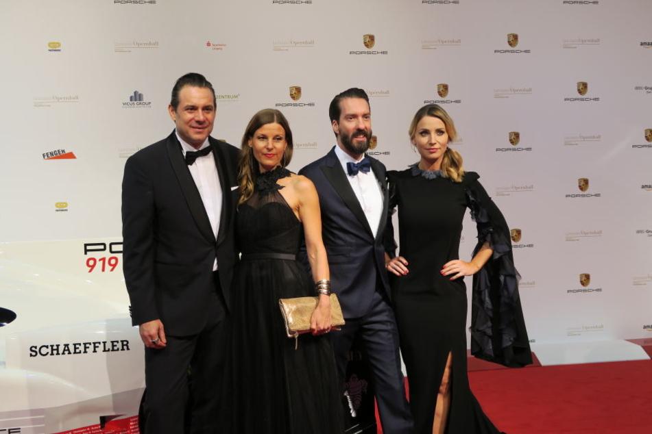 Sascha Vollmer mit Freundin Jenny und Alec Völkel mit Ehefrau Johanna (von links).