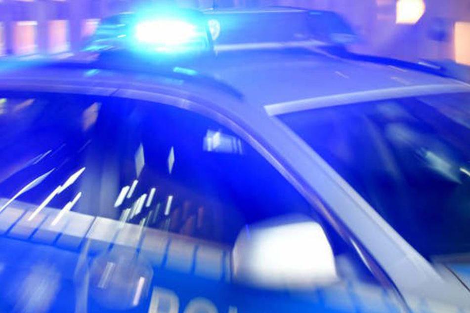 Eine Frau ist bei einem Verkehrsunfall in Lichtenberg schwer verletzt worden. (Symbolbild)