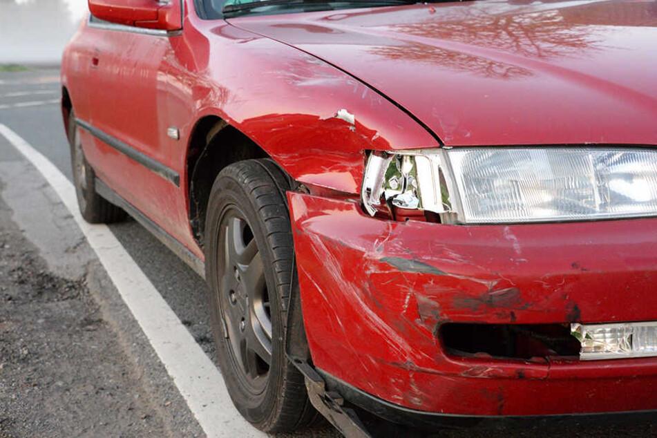 Der junge Fahrer erfasste die 16-Jährige mit seinem Auto.