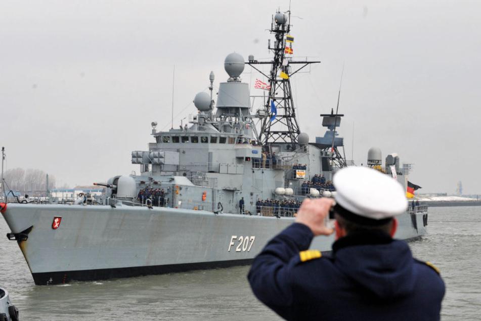 Wegen mutmaßlicher Übergriffe steht ein Marine-Ausbilder ab Dienstag vor Gericht. (Symbolbild)