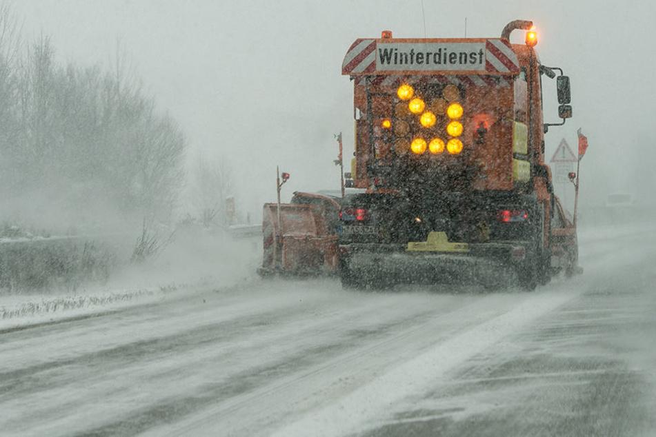 Der Winterdienst kümmert sich um die wichtigsten Straßen in der Region.