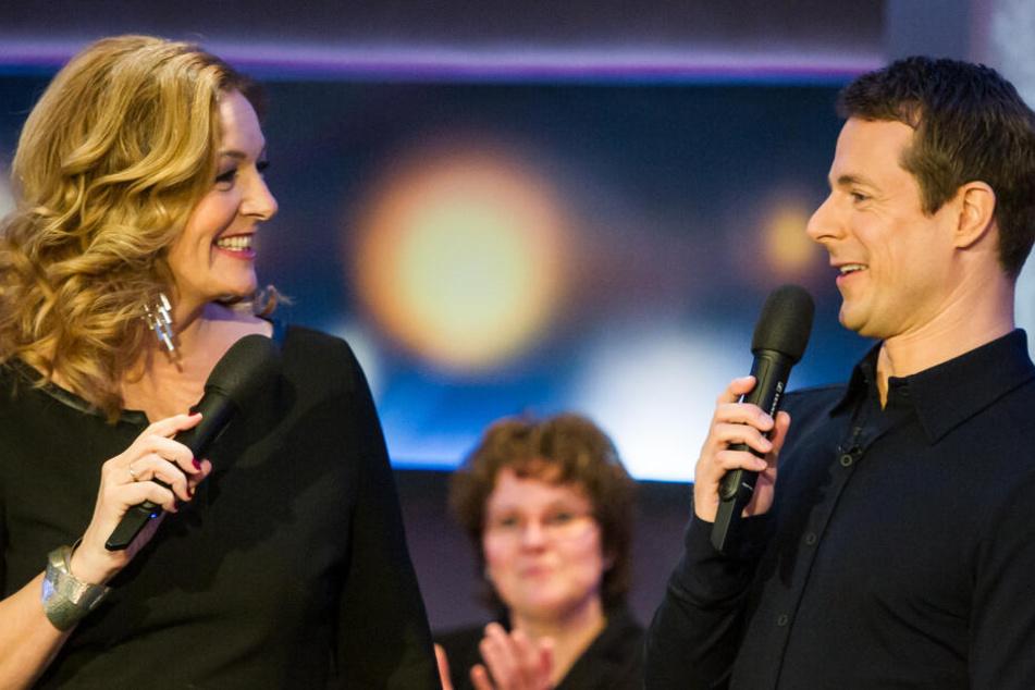 """Die Moderatoren der NDR-Talkshow """"Tietjen und Bommes'"""", Bettina Tietjen und Alexander Bommes."""