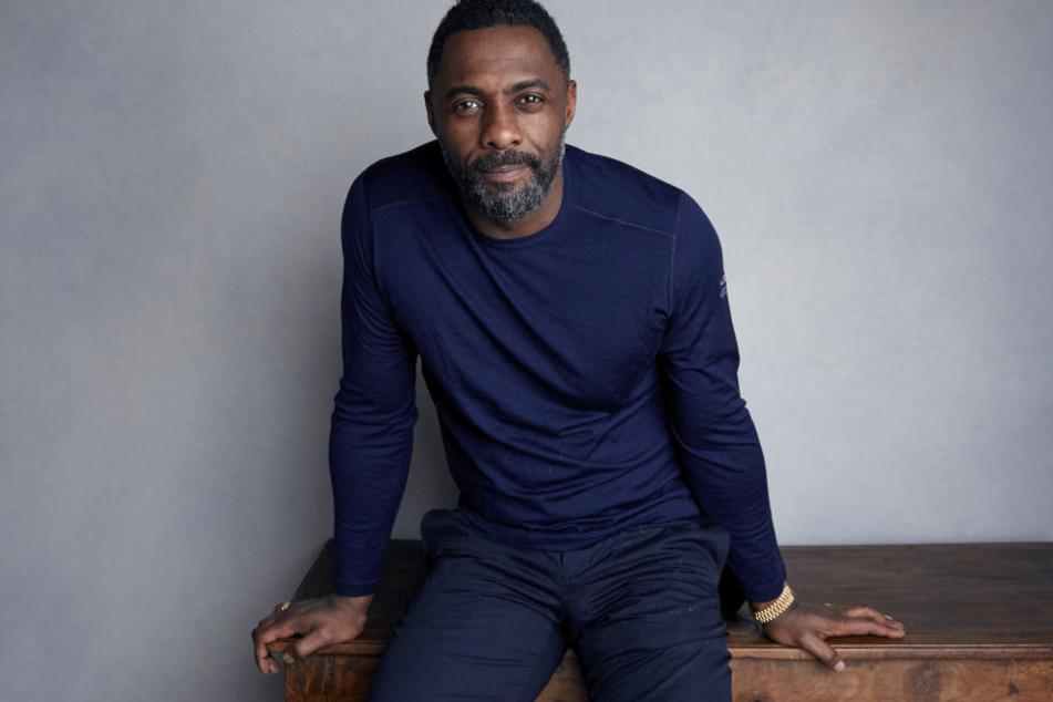 """Der britische Schauspieler und Musiker Idris Elba (46) ist nach Ansicht des US-Magazins """"People"""" der """"Sexiest Man Alive""""."""