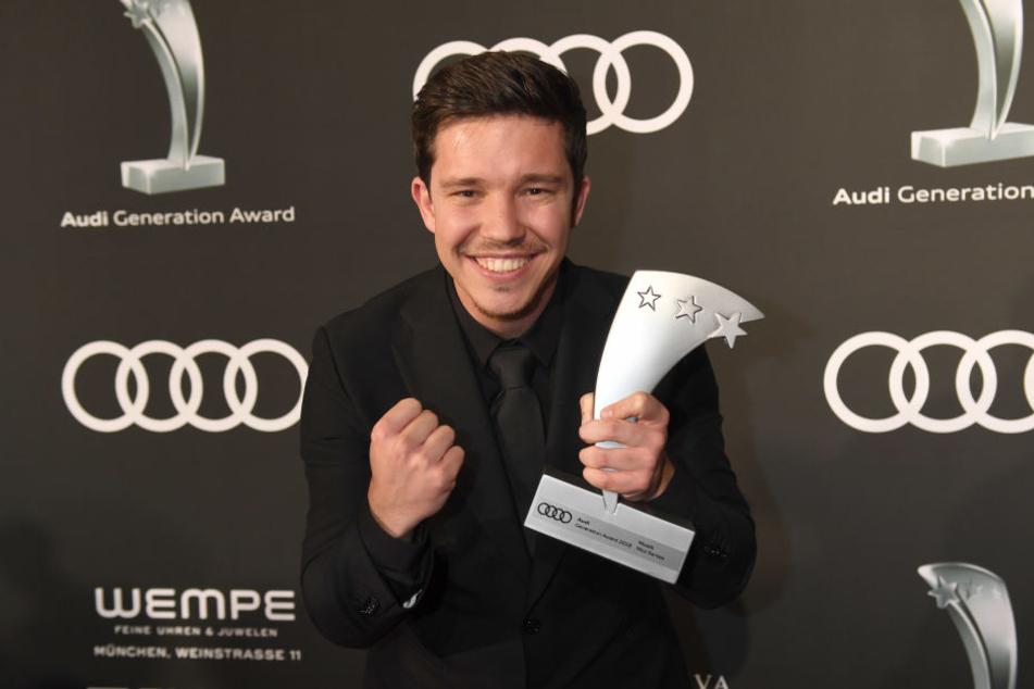 """Nico Santos nach der Verleihung des """"Audi Generation Awards"""" im Bayerischen Hof in München"""