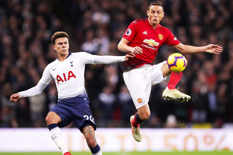 Nemanja Matic (r.) von Manchester United soll beim BVB auf dem Zettel stehen.