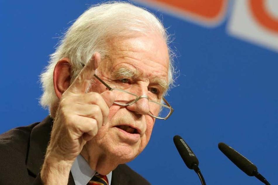 Kurt Biedenkopf (87) spart nicht mit Kritik an Stanislaw Tillich.