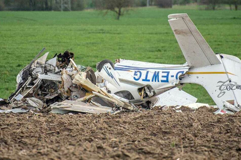 Das Wrack einer der abgestürzten Maschinen.