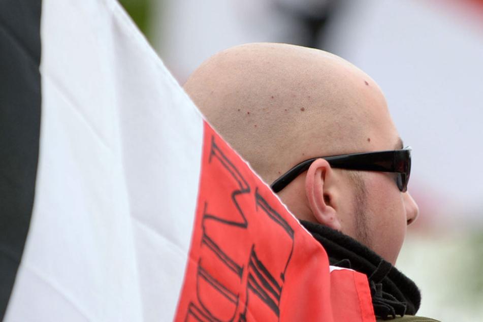 """Der Rechtsextremist soll ein ehemaliges Mitglied von """"Blood and Honor"""" sein. (Symbolbild)"""