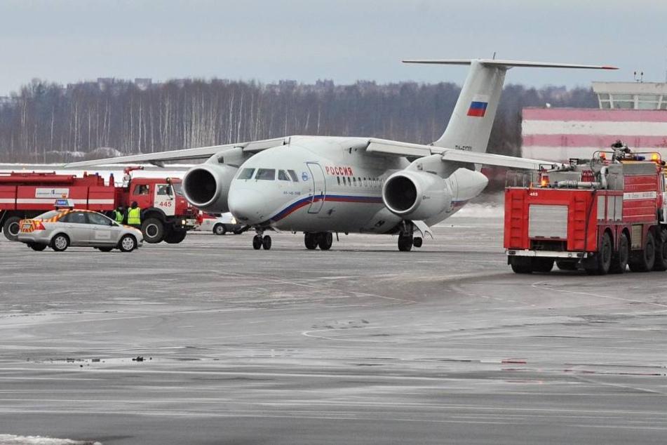 Passagier-Flugzeug mit 71 Insassen abgestürzt