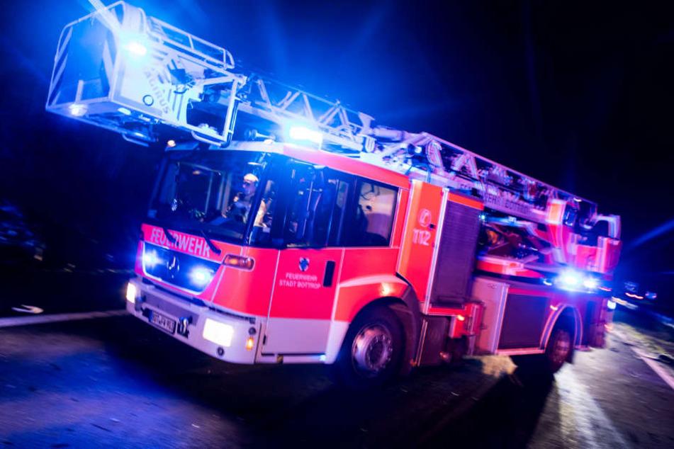 Die Feuerwehr konnte die Frau nur noch tot bergen. (Symbolbild)