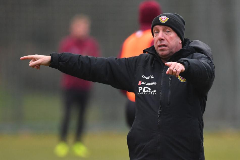 Jetzt ist Schluss mit lustig: Trainer Markus Kauczinski muss und wird bei Dynamo die Zügel anziehen.