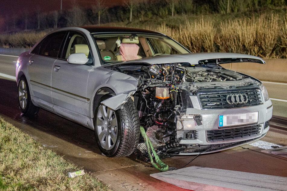 Unfall A71: Lkw auf A71 verliert plötzlich seine Reifen, zwei Fahrzeuge können nicht mehr ausweichen