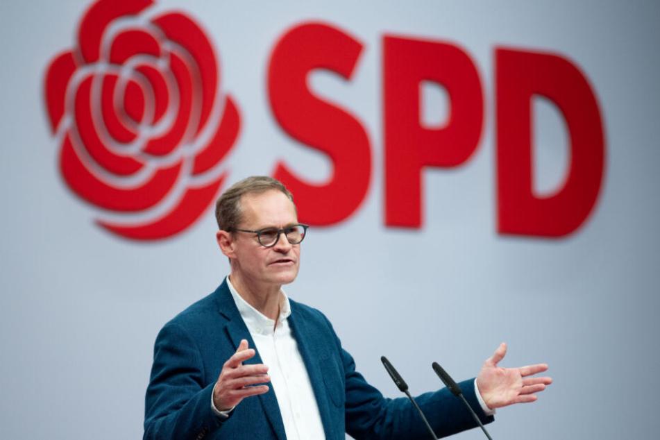 Michael Müller (SPD, Regierender Bürgermeister von Berlin, spricht beim SPD-Bundesparteitag das Grußwort.