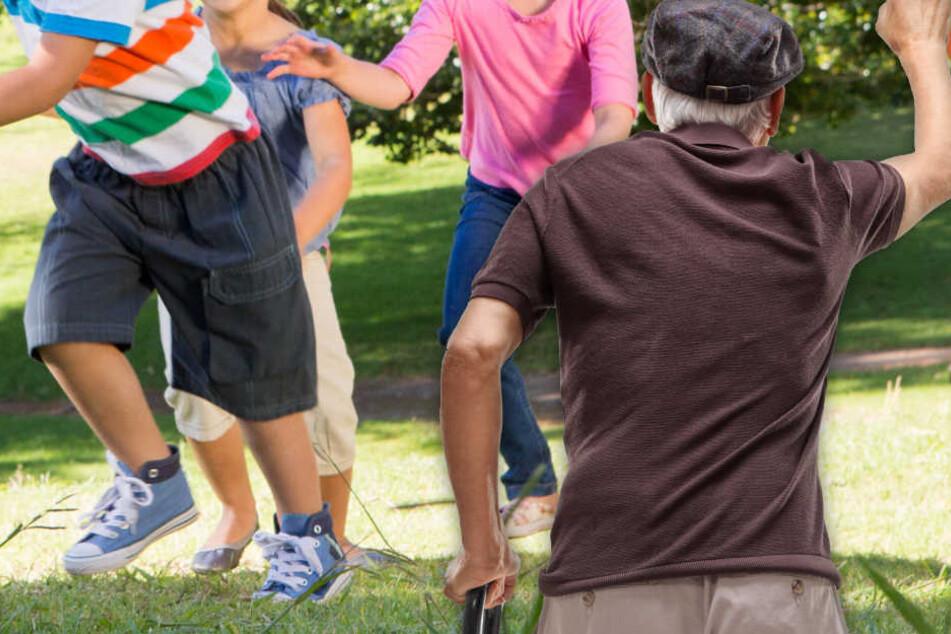 Wildgewordener Senior geht auf spielende Kinder los: Der Grund ist kurios