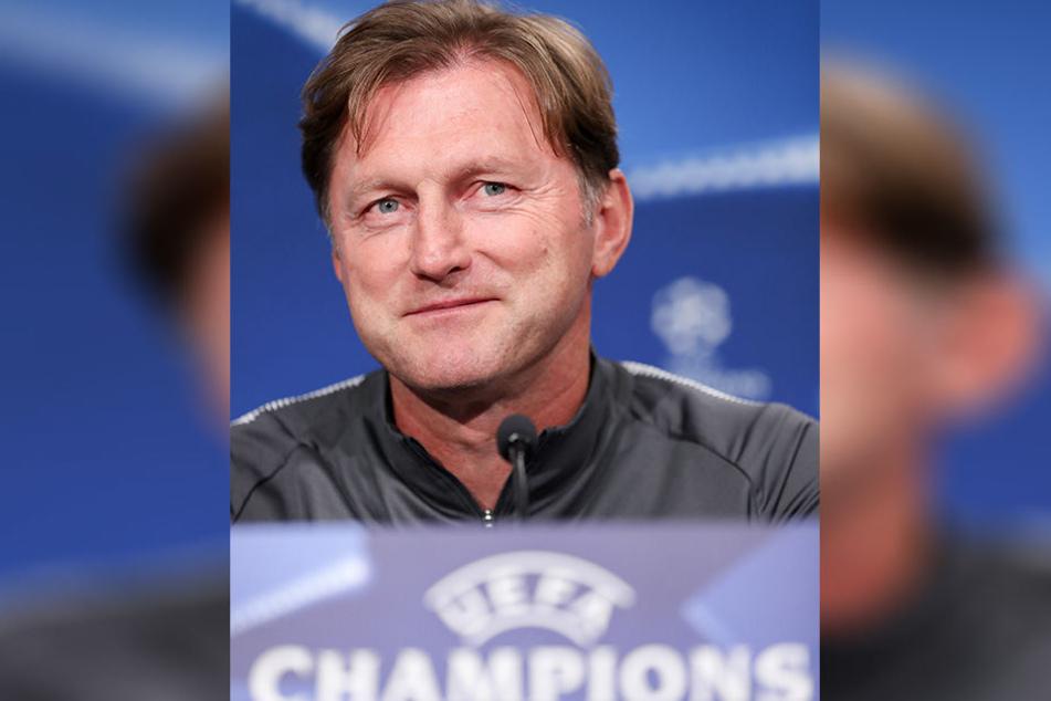"""RB-Coach Ralph Hasenhüttl bleibt cool. Das Spiel gegen den französischen Meister ist """"kein großer Unterschied zu einem Bundesligaspiel."""""""