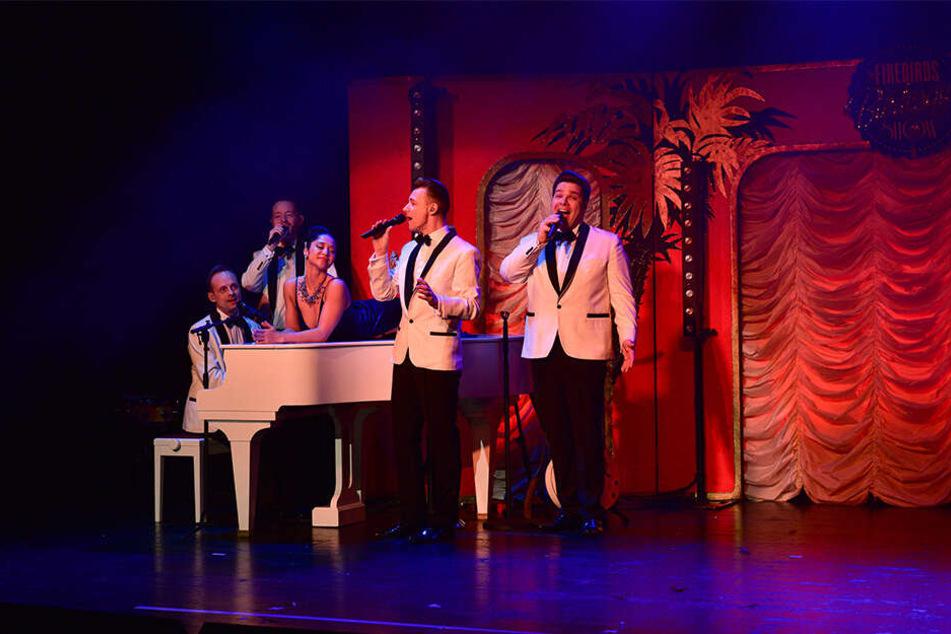 Die Musiker liefern die passenden Songs für das echte 50er und 60er Jahre-Gefühl.