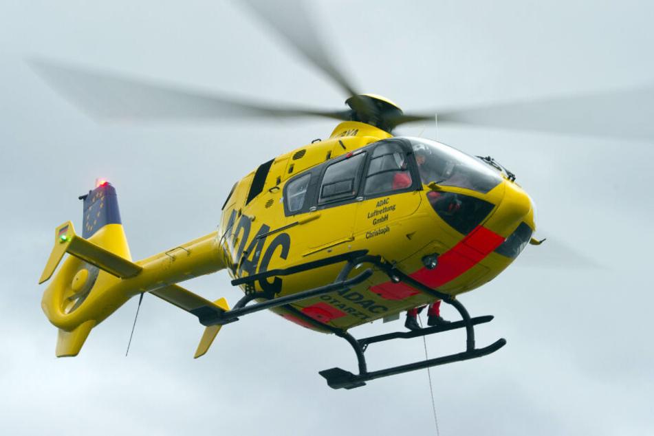 Nach einem Unfall in Schelklingen wurde eine lebensgefährlich verletzte Bikerin ins Krankenhaus geflogen. (Symbolbild)