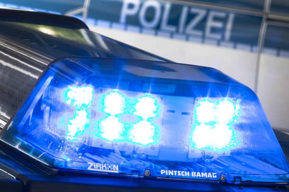 Arbeiter mit Messer attackiert: 46-Jähriger lebensgefährlich verletzt