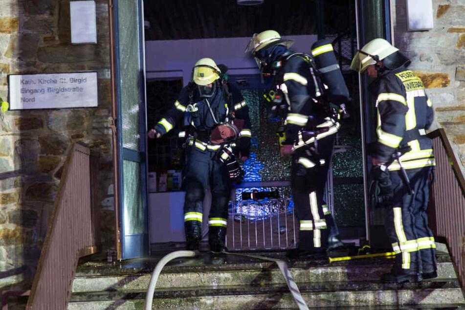 Circa 50 Einsatzkräfte der Feuerwehr bekämpften die Flammen.