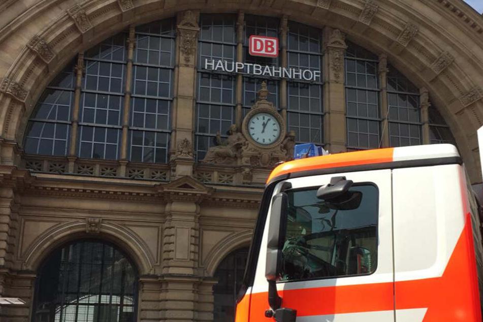 Kind wird im Frankfurter Hauptbahnhof vor ICE gestoßen und stirbt: Verdächtiger festgenommen