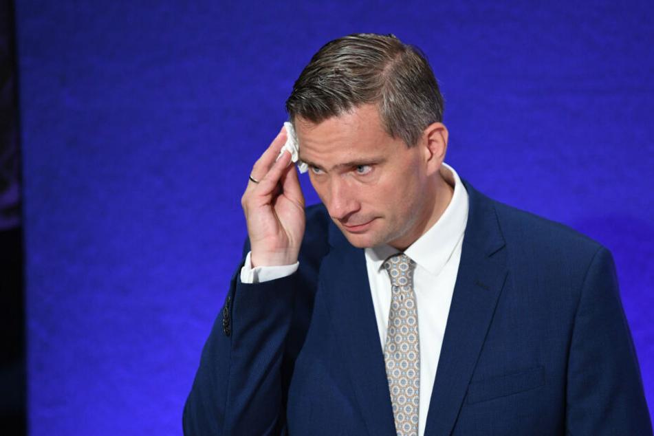 Martin Dulig musste sich am Wahlsonntag den Schweiß von der Stirn wischen.