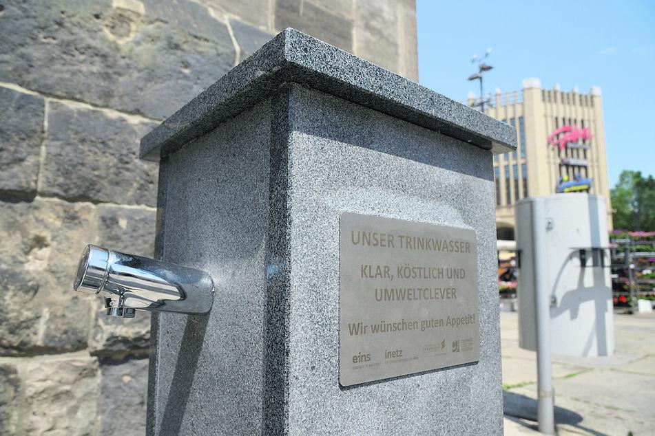 Ganz und hoffentlich bald in Betrieb: der Erfrischungsbrunnen am Rathaus.