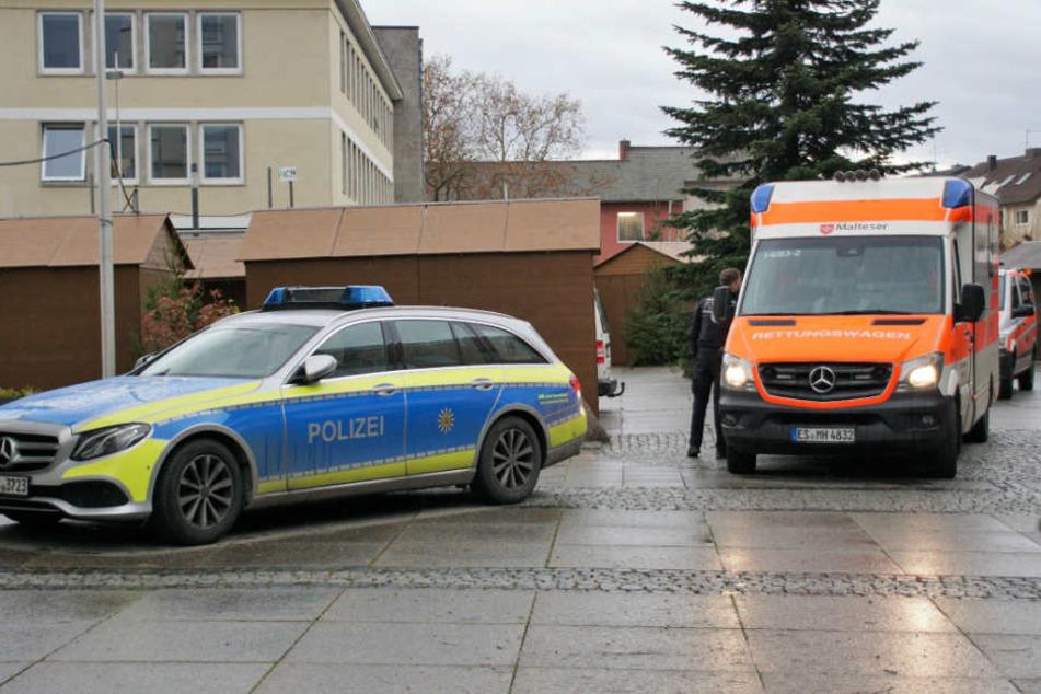 Die Polizei und ein Rettungswagen waren vor Ort.