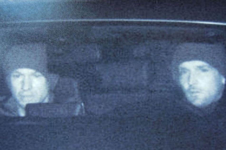 Wer kennt diese beiden Männer und kann Angaben zu ihnen machen?