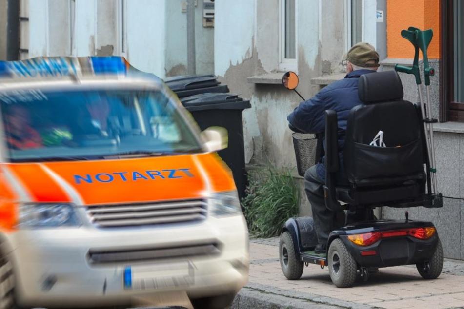 Rentner fährt sich mit E-Rolli tot