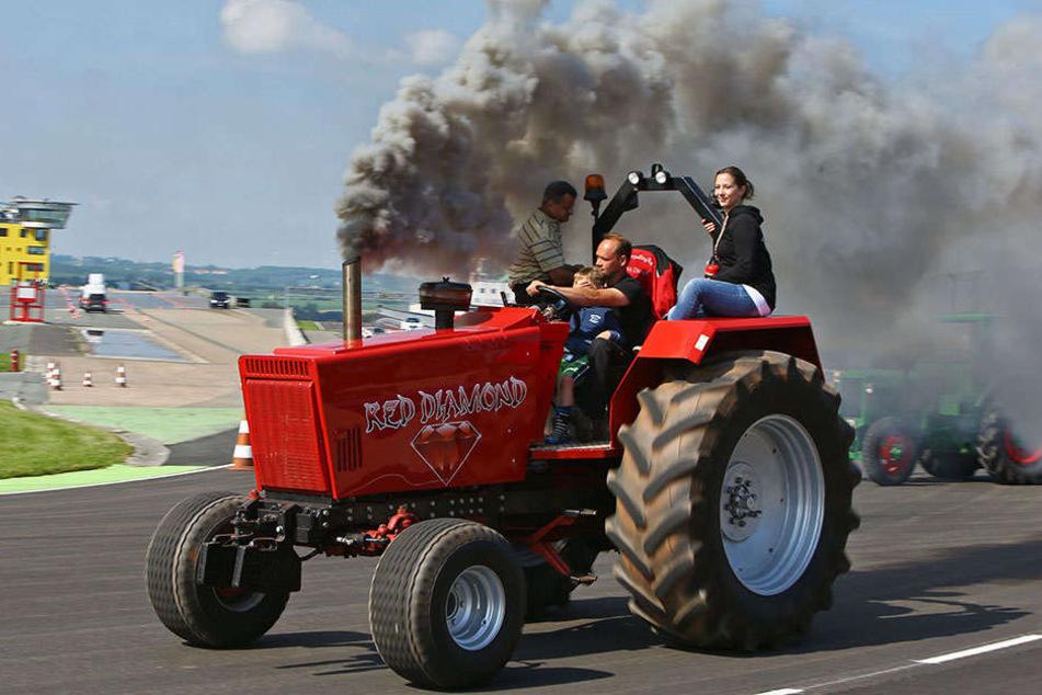 Spaß für die ganze Familie: Neben Aktionen rund um die Traktoren gibt's auch Kinderprogramm, Musik und Tanz.