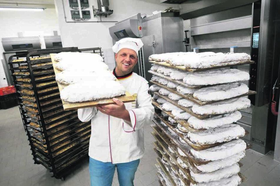 Auf Hochtouren am Ofen: Über 100 000 Stollen backt Rene Krause (41) pro Jahr.