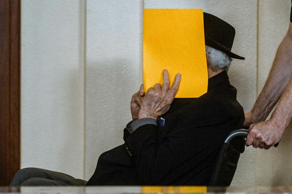 Ex-SS-Wachmann will nichts von Kindermorden im KZ gewusst haben