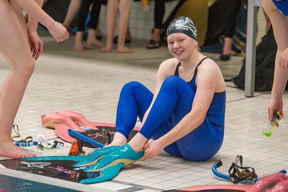 Michèle Rütze (17) ist Nachwuchs-Weltmeisterin im Flossenschwimmen.