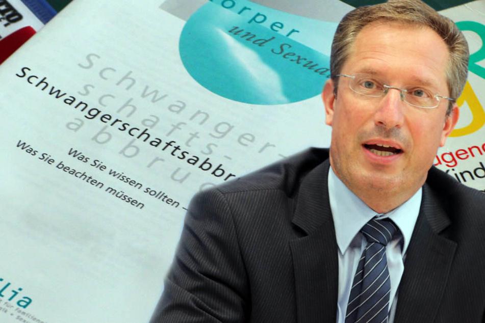 Stephane Thomae kritisiert, dass die GroKo noch keine gemeinsame Haltung gefunden habe.