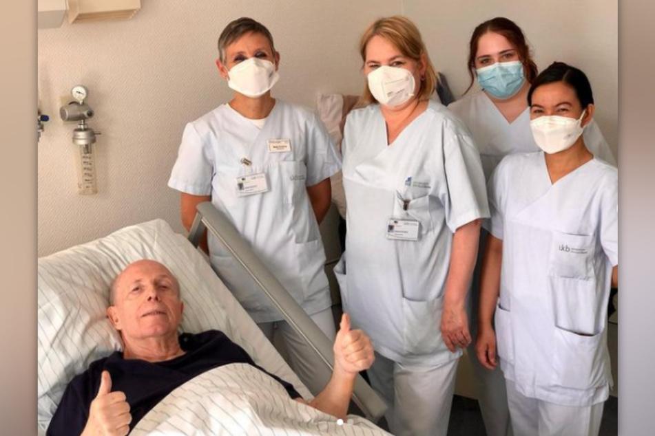 Reiner Calmund (72) hat sich im Mai in der Uniklinik Bonn einer Bauchlappen-Operation unterzogen.