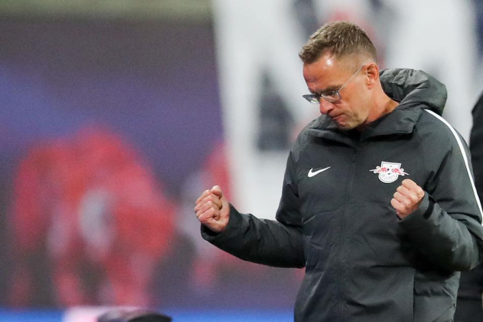 Fiel ein dicker Stein vom Herzen: RB-Trainer Ralf Rangnick freute sich sichtlich über den 2:0-Befreiungsschlag gegen den VfB Stuttgart.