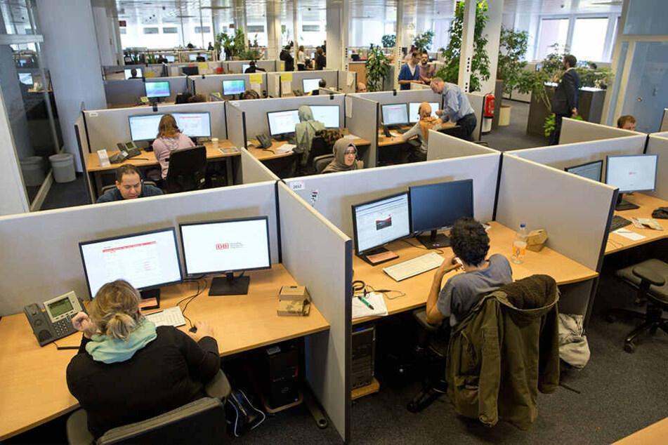 Sonntagsarbeit in Callcentern muss von der Landesdirektion genehmigt werden.