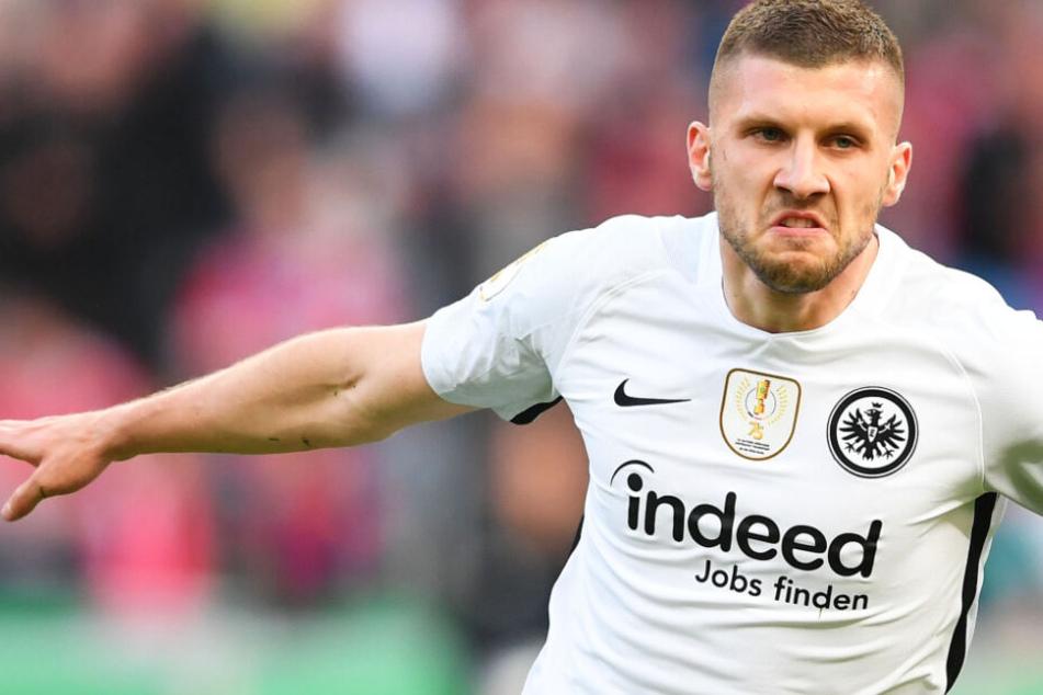 Beim DFB-Pokal-Endspieltriumph 2018 gegen den FC Bayern (3:1) erzielte Rebic zwei Tore für die Eintracht.