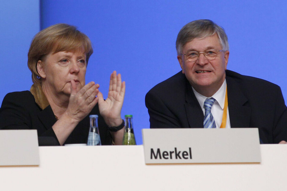 Tragische Nachricht für die Kanzlerin: Ihr enger Vertrauter Peter Hintze (†66, CDU) ist tot.